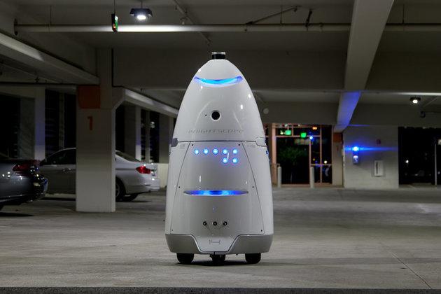Robot beats 16 months boy