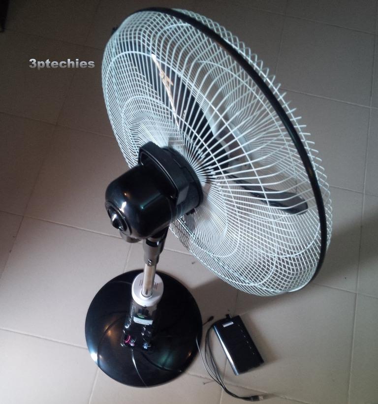 Andrakk ADK8518 Rechargeable standing fan