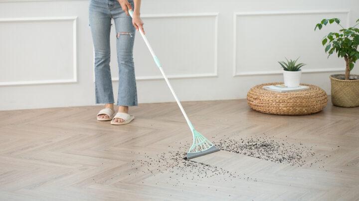 Broombi Electric Sweeping Gadget